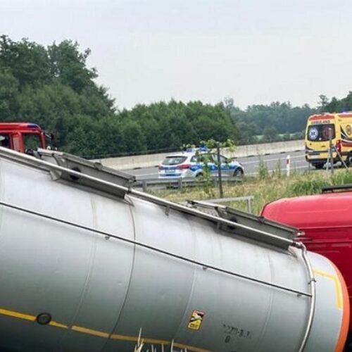 Wypadek z udziałem autocysterny na autostradzie A4